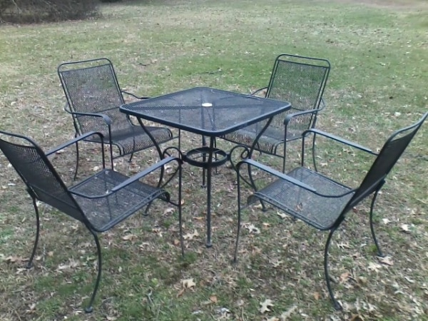 Patio Set in Black