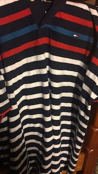 L/g Tommy Hilfiger shirt white, blue and red  Welland, L3B 2Y6