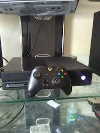 black Xbox One console with controller New Haven, 06511