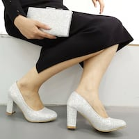 Matching shoe and clutch  Mississauga, L4T 1G1