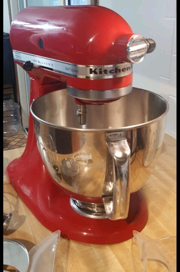 5 quart Red KitchenAid mixer