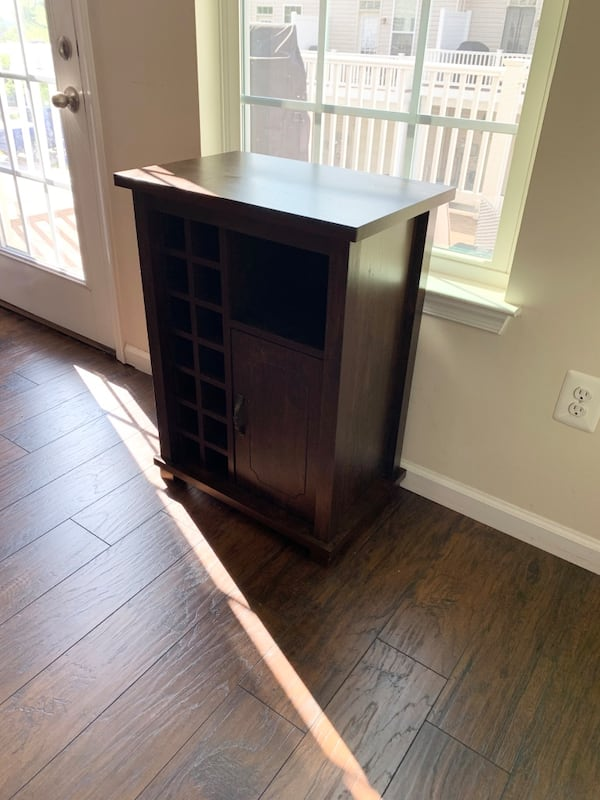 Bar with Built-in Wine Rack - LIKE NEW 8709f825-6751-4481-9081-0cc446e65653