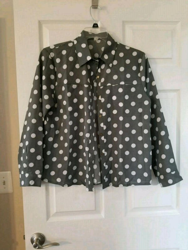 black and white polka-dot button-up jacket