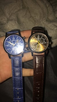Two round silver-colored chronograph watches Fontana, 92336