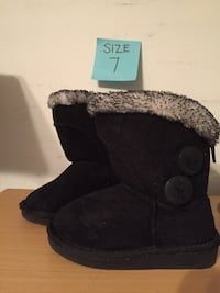 Girls boots size 7  Woodbridge, 22193