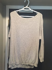 Gray scoop-neck long-sleeved shirt sz large  Whitby, L1N 2J2