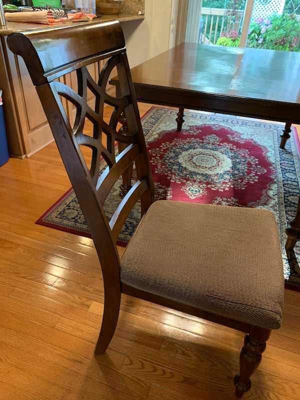 All Wooden Table and 6 chairs - FAIR CONDITION 8cd1882e-06f9-421c-9d12-671fecc05362