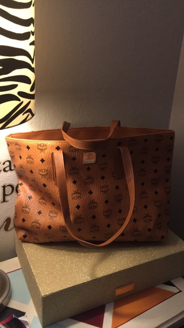 4bf581cccf81 Used women s brown Louis Vuitton leather tote bag for sale in Redwood City  - letgo