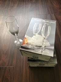 clear champagne flute with box Fairfax, 22033