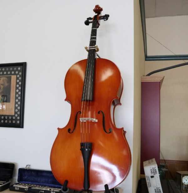 Strobel MC80 4/4 Full Size Cello w/ Bow & Soft Case