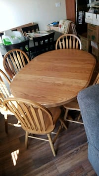 Oval oak table with six chairs Greeley, 80634