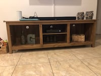 Wood tv stand Cutler Bay, 33189