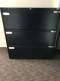 file cabinet in good condition Sainte-Marthe-sur-le-Lac, J0N 1P0