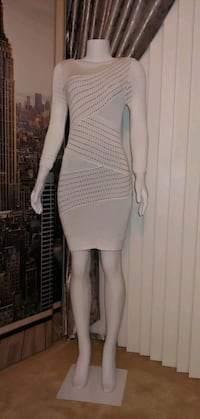 Le Chateau Stretchy mesh cotton dress. Mississauga, L4Z 1W3