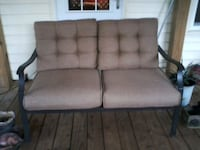 Loveseat and table Jacksonville, 28546