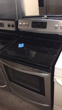 Kenmore stainless steel electric stove 4 months warranty Baltimore, 21230