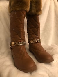 MK Essex Quilter Winter Leather Boots sz 8