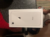 iPhonie 8 64 GB silver new  Nottingham, NG7 6HD