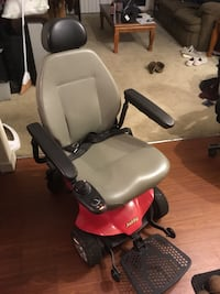 Jazzy - Select Elite Power Chair ($3500 New!)