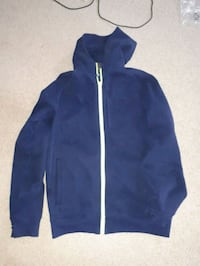 Lululemon xl zip up hoodie Burnaby, V5A 4G5