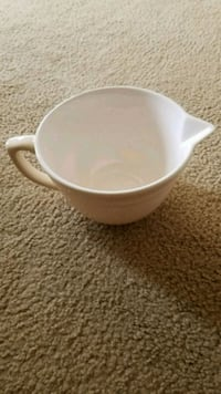 white ceramic bowl with lid Springfield, 65802
