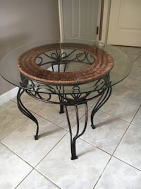 Beautiful Glass top table - Coquitlam, V3E 3A2