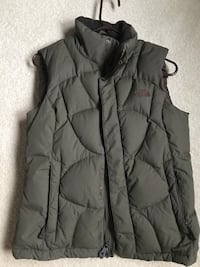 The North Face Goose Down Puffer Olive Green  Size M  Pale Green/Olive Down Fill Excellent Condition Oakville, L6M 3J9