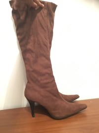 Gorgeous Boots Size 9 (Like new!) Mississauga, L4Z 4A1