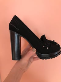 unpaired black chunky heels Glenview