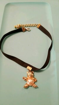 Bear Chocker Necklace. (only worn once)