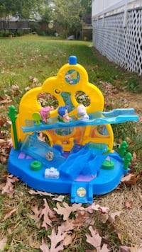 bubble guppies play area toy