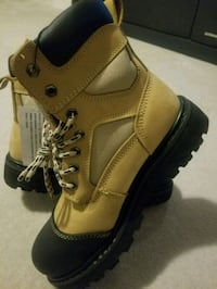 Brand New Altra Industrial Boots, Size 9 Men's. Toronto