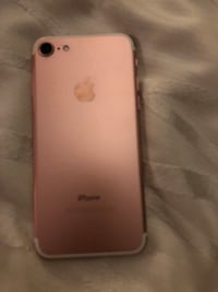 Rose gold iphone 7 Toronto, M2N 5P6