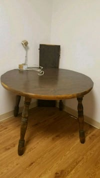 Round wood table  McHenry