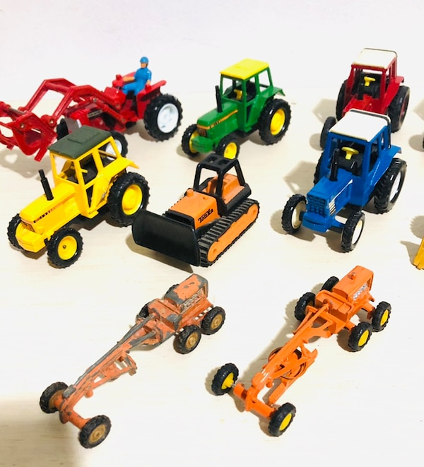 Farm Machine Die Cast Metal Cars In 1/43 Scale! By different makers 1d1ddd63-5d58-4bc8-a02a-d3f1856a4e39