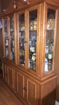 Brown wooden china cabinet with glass display cabinet Brampton, L6S 4B2