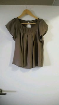 Womens silk top by wilfred, size small, $20 Vaughan, L4L 1H5