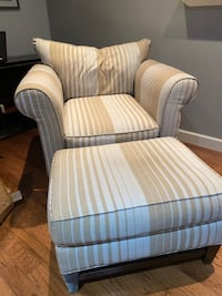 Chaise Lounge Chair with Ottoman