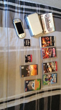 Silver psp with game collection null, N0A