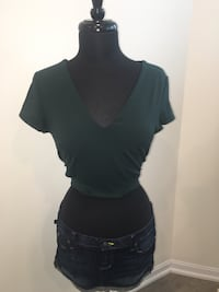 New forest green Bebe cut out crop top size L Oakville, T1Y