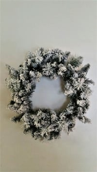 Flocked Christmas Wreath Door Fireplace Snow Capped Holiday Dec