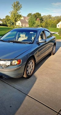 2004 Volvo S60 2.5T AWD A