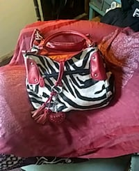 red and white leather handbag Las Vegas, 89156