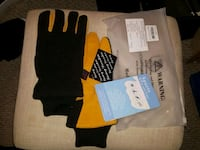 Size mens small.DeerSkin Suede leather Gloves. NEW Cambridge, N3H 4L9