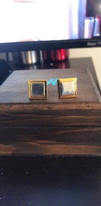 Cuff links  Philadelphia, 19148