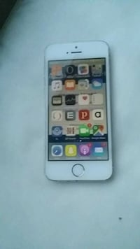 silver iPhone 5s med fodral