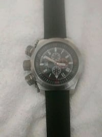 round silver chronograph watch with black leather strap Washington, 20002