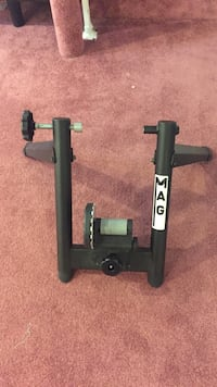 Bike trainer stand w/ mat