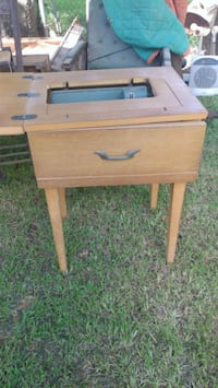 Vintage sewing machine table New Iberia, 70560