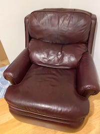 Leather brown recliner Fairfax, 22032